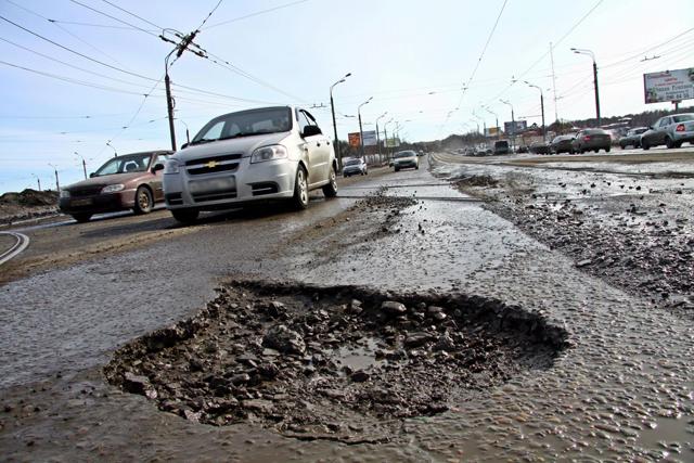 Укравтодор отремонтировал почти 70% ям на дорогах