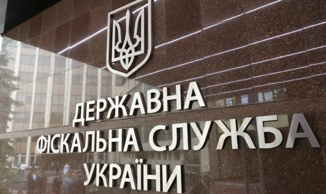 Налоговики в ходе обысков производителя подсолнечного масла изъяла продукцию и технику на 45,7 млн грн