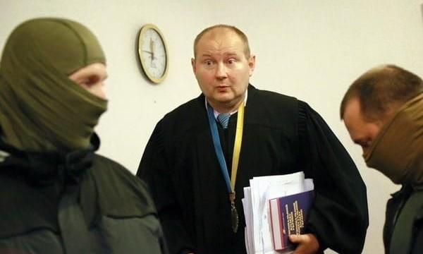 На судью-взяточника Чауса начал охотиться Интерпол