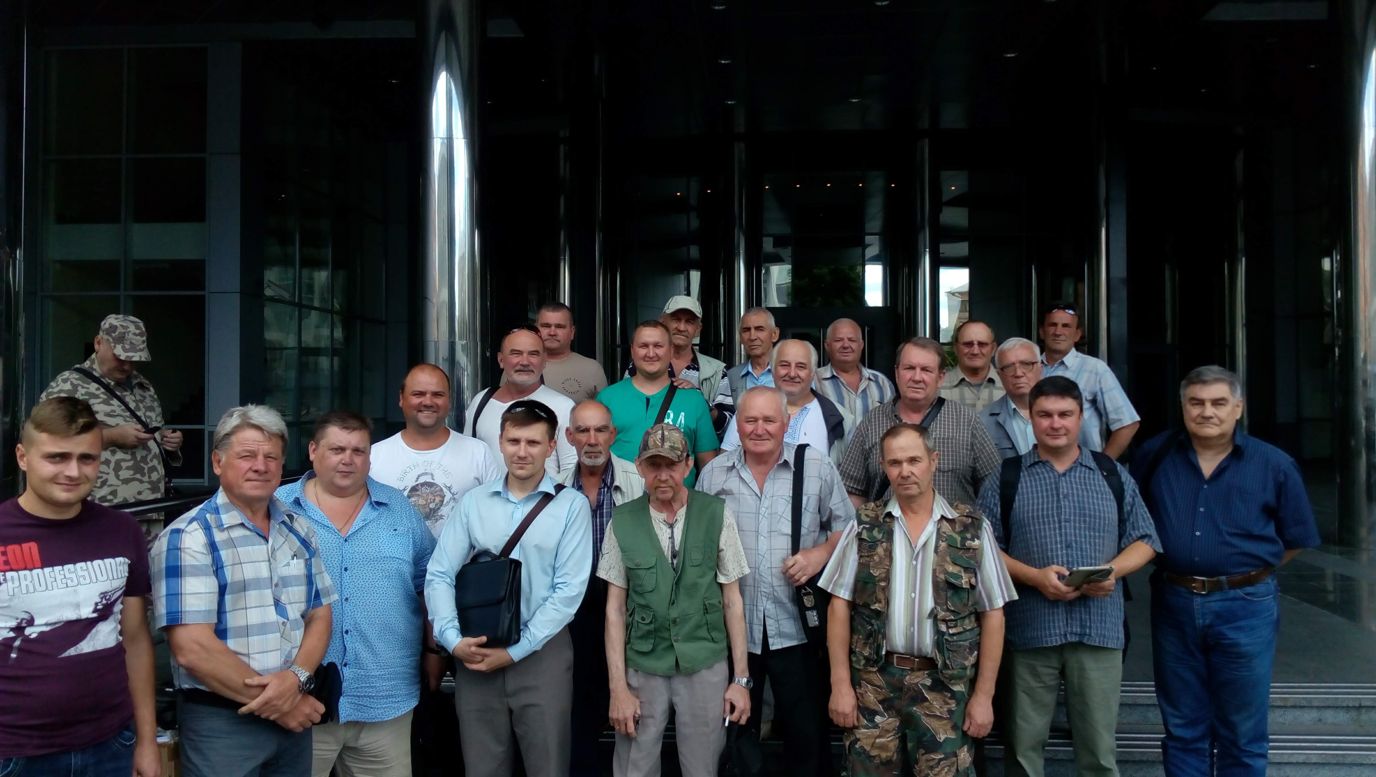 В Киеве общество рыболовов и охотников окончательно отвоевало имущество у захватчиков базы «Козинка»