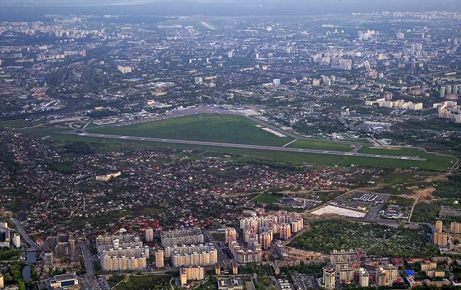 Руководство аэропорта «Киев» вынуждено сократить половину своего персонала чтобы спастись от банкротства