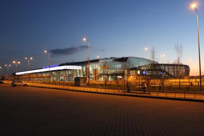 В январе Львовский аэропорт нарастил пассажиропоток на почти 50%