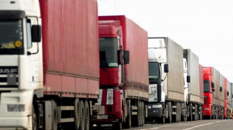 Турция разрешила пересечь границу 50 украинским фурам