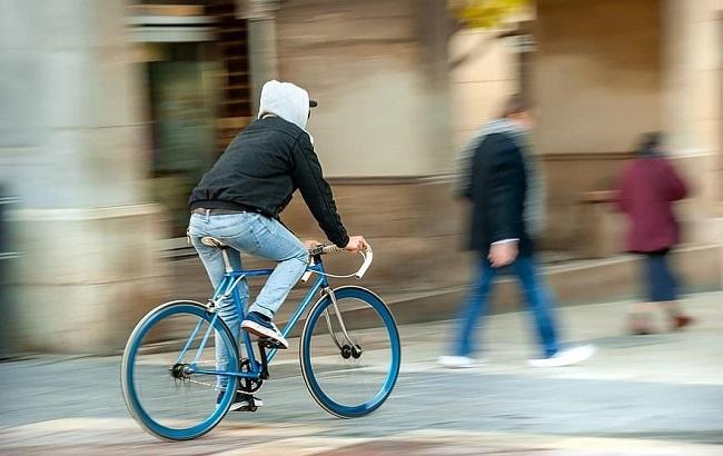 В Украине заработали новые правила для велосипедистов и пешеходов