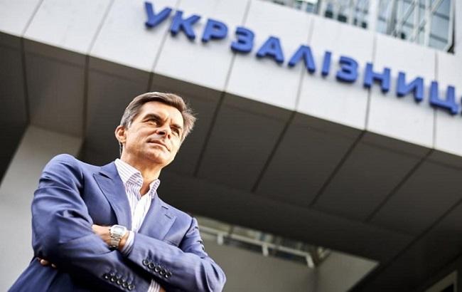 Глава «Укрзализныци» пожаловался на свою зарплату