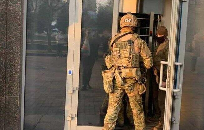 СБУ проводит обыски в офисе АРМА