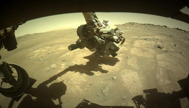 NASA показало новые фотографии Марса (фото)