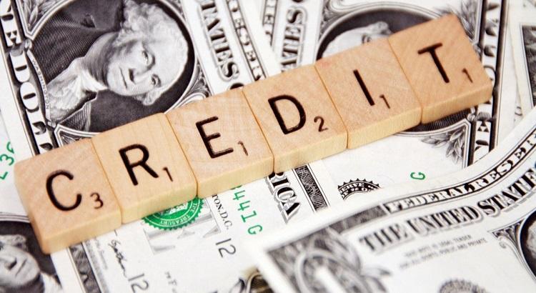 Банкам запретили требовать штрафы за просроченные кредиты в период карантина