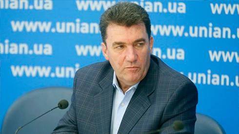 Зеленский усадил Данилова в кресло Данилюка
