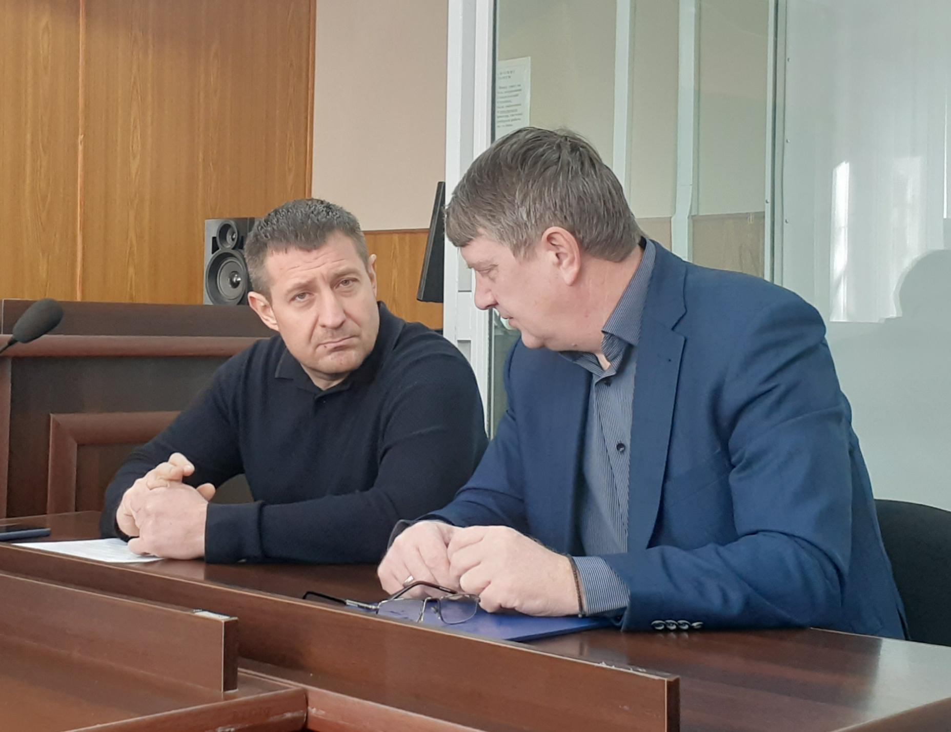 Олег Авер'янов (зліва)