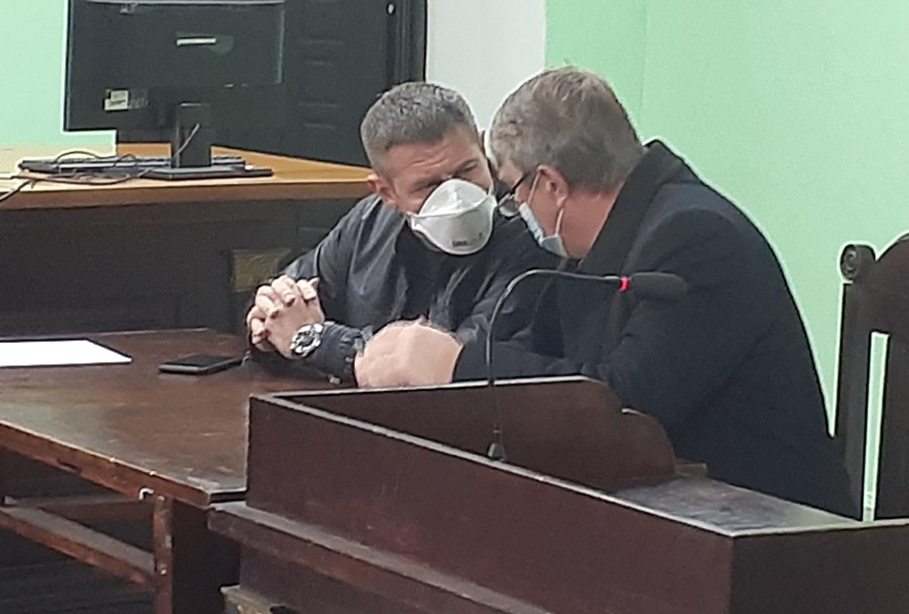 Кандидат в депутати Чернігівської облради Авер'янов не визнає себе винним у справі про крадіжку елітного авто та підробку документів (ВІДЕО)