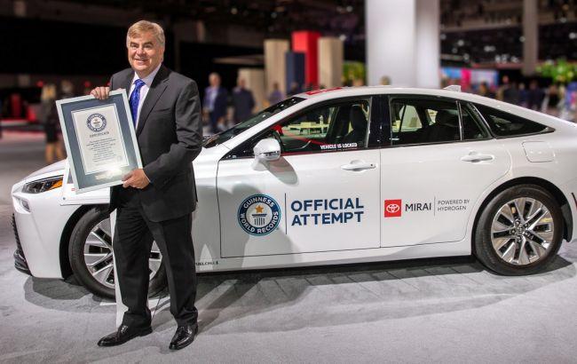 Водородная Toyota Mirai попала в Книгу рекордов Гиннеса