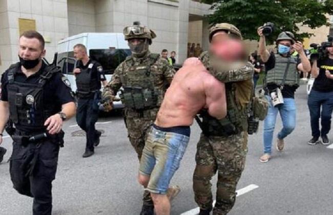 В Киеве задержали стрелявшего мужчину