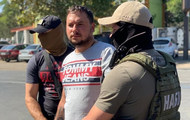 Главный дорожник Николаева попался на взятке в 2,5 млн грн