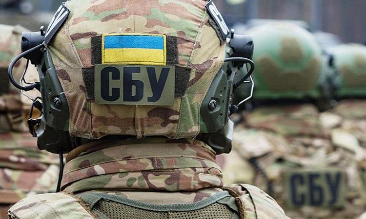 СБУ в центре Киева обнаружила схрон с оружием и боеприпасами (ВИДЕО)