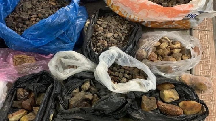 На Житомирщине блокировали нелегальный сбыт янтаря
