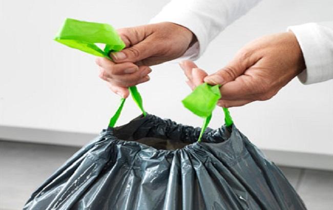 Закон про заборону пластикових пакетів не розповсюджується на купівлю пакетів для побутових відходів – Міндовкілля