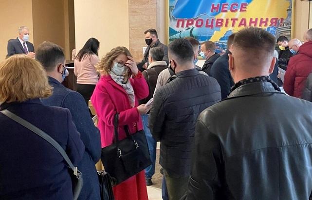 Структуры «Привата» обвинили АМКУ в нарушении карантина