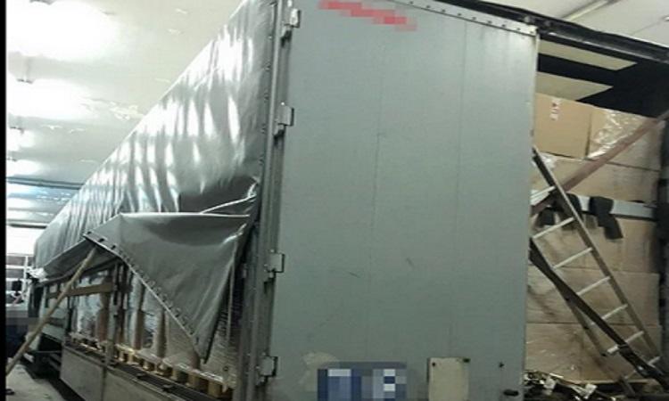 СБУ пресекла незаконный вывоз в страны ЕС 40 тысяч медицинских халатов