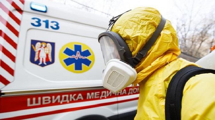 В Украине больше тысячи медработников заболели коронавирусом