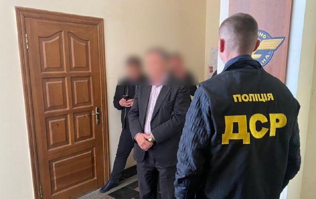 Чиновника УЗ задержали на взятке – Офис генпрокурора