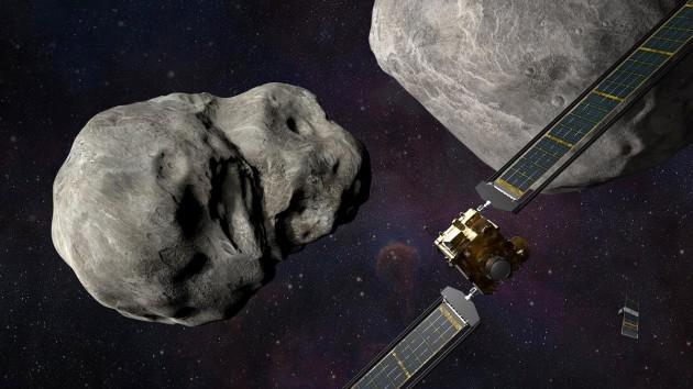 NASA протестирует спасение человечества, впервые силой столкнув астероид с орбиты
