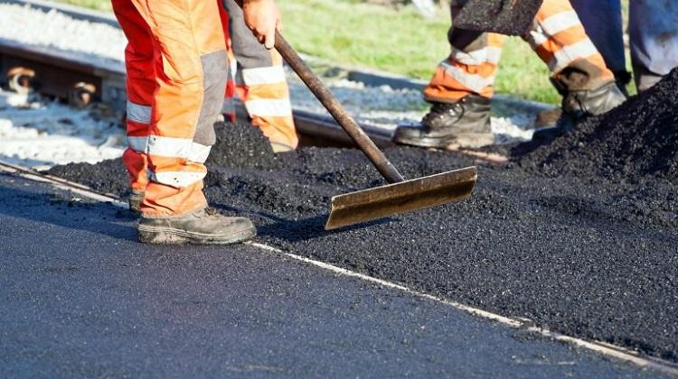 Укравтодор будет оповещать водителей о ремонтных работах