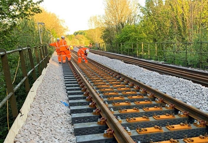 В Британии разработали железнодорожные шпалы из переработанного пластика