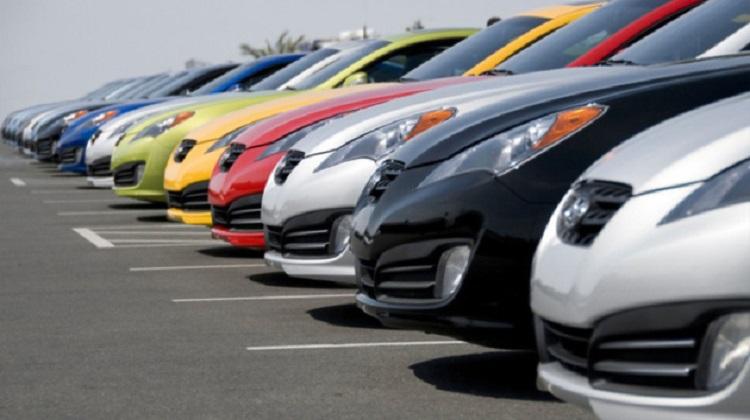 В І квартале импорт автомобилей просел на 44%