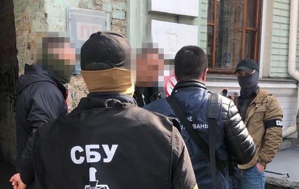 СБУ в Киеве разоблачила во взяточничестве начальника отдела уголовной полиции