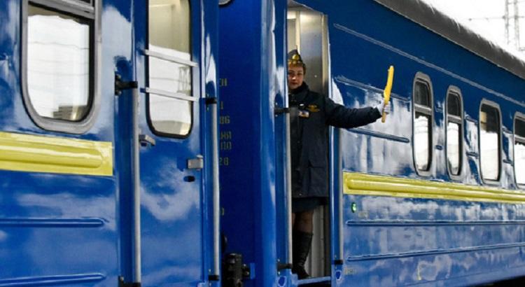 УЗ за время карантина спецпоездами перевезла свыше 7,5 тысяч пассажиров