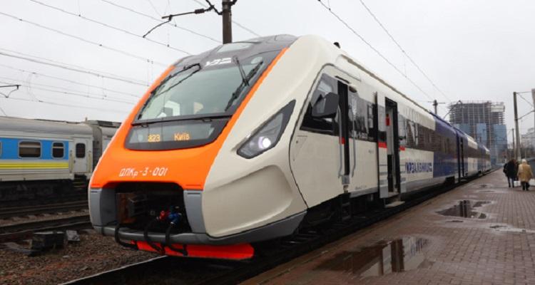 Новый дизель-поезд ДПКр-3
