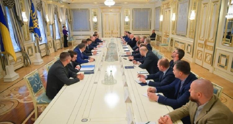 Зеленский призвал крупный бизнес помочь государству в борьбе с коронавирусом