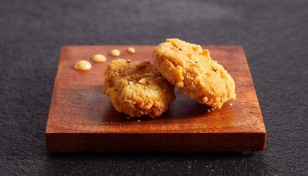 Сингапур первым в мире разрешил продавать искусственную «курятину»