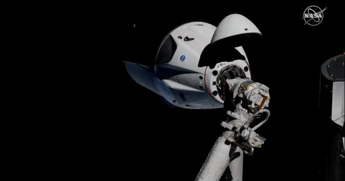 Корабль SpaceX пристыковался к МКС