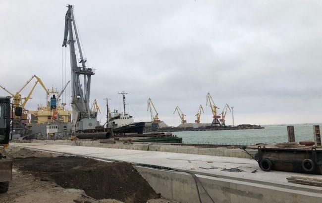 В Одесском морском порту проходят обыски