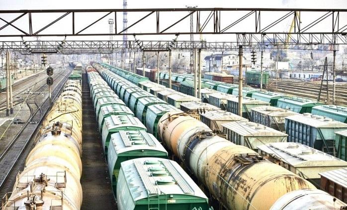 Укрзализныця за сутки перевезла почти 900 тыс. тонн грузов