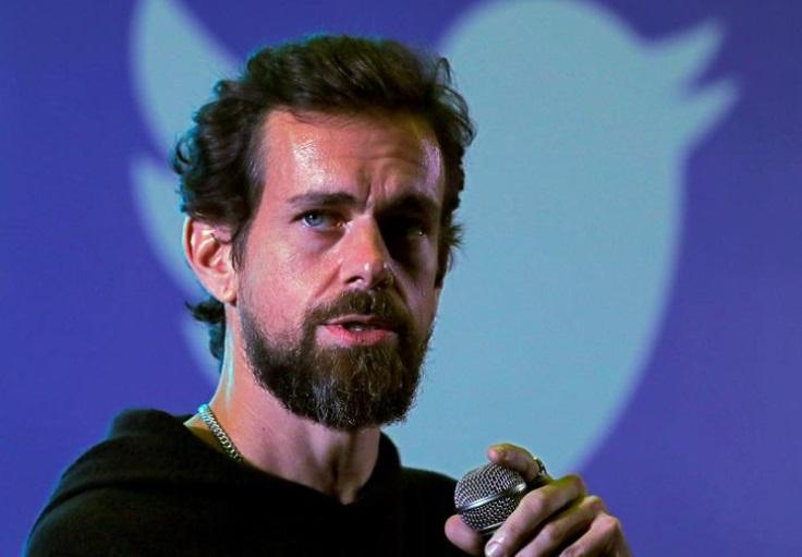 Глава Twitter продал свой первый твит за $2,9 млн