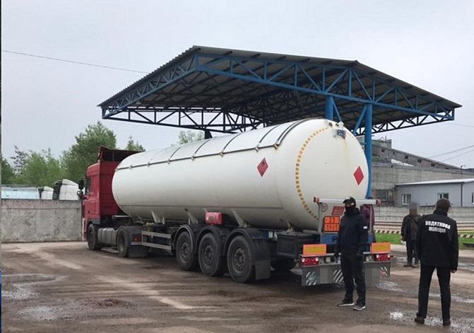 СБУ разоблачила схему незаконного импорта топлива из Беларуси и РФ
