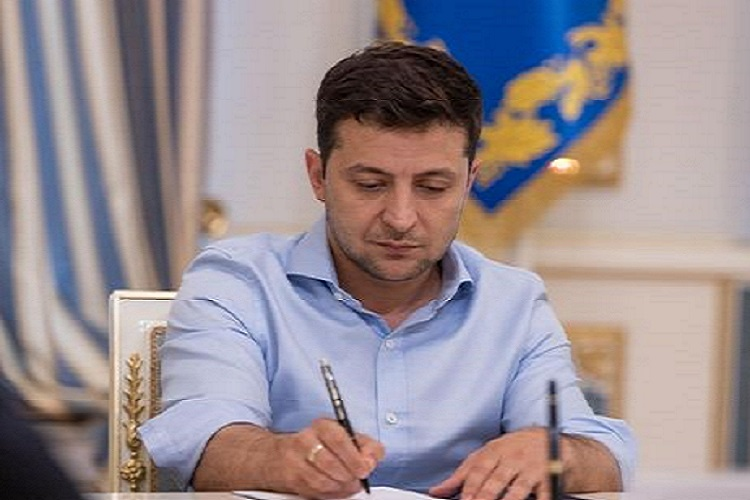 Зеленский ввел в действие новые санкции СНБО против 13 физлиц и 95 компаний