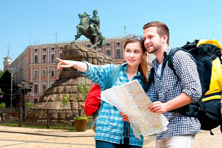 Киев с начала года посетили более 800 тыс. туристов
