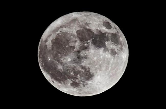 NASA все еще планирует отправить людей на Луну в 2024 году