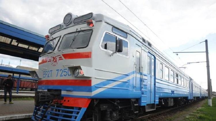 УЗ возобновляет продажу билетов на «карантинных» станциях