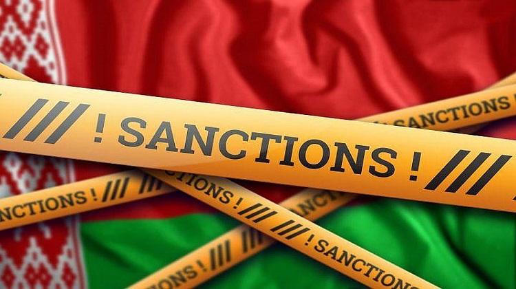 Кабмин одобрил санкции против Беларуси