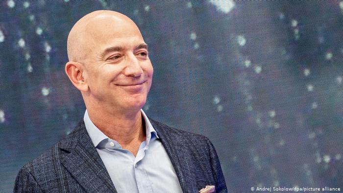 После ухода с Amazon Безос рекордно разбогател