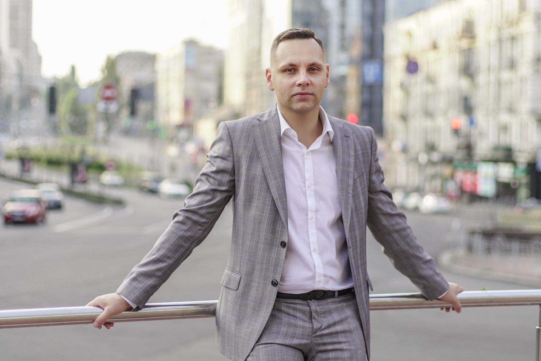 Денис Бондар