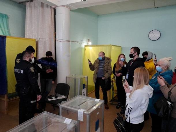 На выборах в Броварах зафиксировали признаки