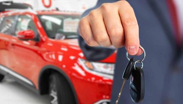В Украине за апрель продажи новых авто выросли в 3 раза