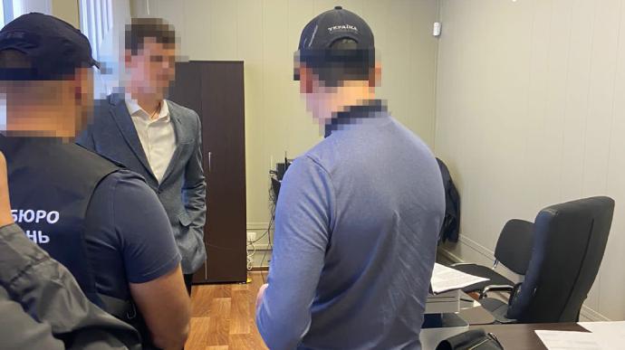 ГБР разоблачило своего сотрудника в коррупции