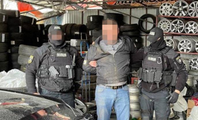 В Киеве полицейский за взятку «разрешал» ресторанам работать в локдаун – ГБР
